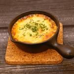 原価酒BAR NICO - チリコンカルネのチーズ焼き