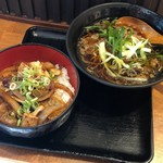 肉工房 千里屋 ホルモンバル - ホルモン丼セット734円