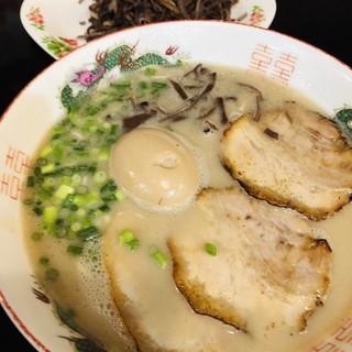 石田一龍 - 料理写真:濃厚らーめん+煮玉子+キクラゲ