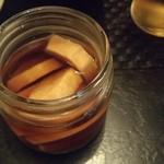 にほん酒処 翁 - 長芋の醤油漬け324円、少し強い味ですが日本酒には合います。