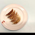 京都 夷川餃子 なかじま - 餃子ディープ(ニンニク有り)270円 結構ニンニクの臭いが強く、餃子を食べている満足感がある、ちなみに、フレンチとディープをキスと関連づけてネーミングしたのだろうか…であれば逆な気がする