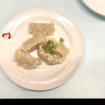 京都 夷川餃子 なかじま - 茹で餃子・350円 本来はパクチーが乗るそうだが、天候要因で入荷無く、代わりに刻みネギ、焼きの方が好み