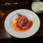 114039832 - トマトソースのハンバーグステーキ ライス、サラダ、スープ付 1,000円(税込)