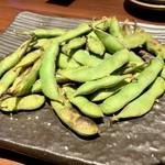 土風炉 - 産直焼き枝豆530円