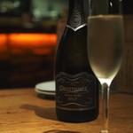 グリル&パスタ エス - スパークリングワイン