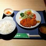 日和佐 - とんかつ定食780円