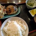 秋桜 - 料理写真:サバ味噌煮とから揚げセット850円