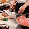 鉄板焼 けやき - 料理写真:お客様の目の前でシェフが焼き上げます。