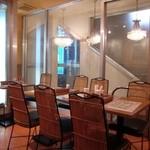 シディーク - 2階テーブル席