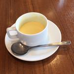 114088980 - セットの冷製コーンスープ