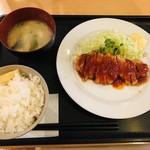 ともんちゃ - 料理写真:ポークソテーセット 770円