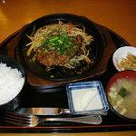 1141307 - ほほ肉ステーキ+定食