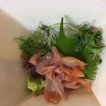 さかな処 三吉 - 赤貝の刺身