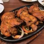 ディップパレス - Tandoori chicken ¥695 刺激的な辛さがクセになる感じ♫
