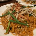 ディップパレス - Pad thai ¥1065 人気のパッタイ。やっぱりタイ料理屋さんに来たら外せないです♫