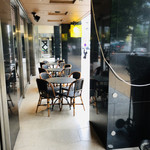 CAFE SALVADOR BUSINESS SALON -