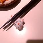 牛ちゃん - 箸置きが微妙に可愛い!