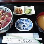 114124668 - カツオ丼。カツオの刺身定食もありました。