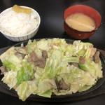 元祖びっくり亭 - 料理写真:鉄板焼1人前800円