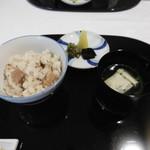 六盛 - 食事