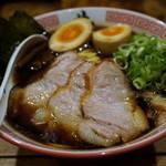 井田商店 - 料理写真:特製醤油ラーメン 950円