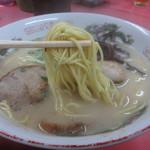 ホームラン本店 - ストレート細麺