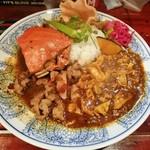 中華料理 八戒 - 「渡り蟹カリィ」今月のカリィ、(3種あいがけ)