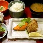 北海道料理ユック - ユック 銀座店 焼魚二点盛り定食 900円
