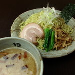 麺処 田ぶし - 東京醤油とんこつつけ麺。何度食べても飽きのこないバランスが絶妙なスッキリつけ麺。
