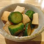 地肴 酒 手打蕎麦 ZARUBAKU - 大根とキュウリのカクテキ