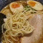 煮干し中華そば 麺屋 銀星 高円寺 - 麺アップ