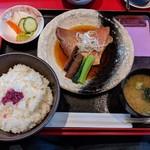 魚料理の店 鮮魚まるふく - 金目鯛煮付定食