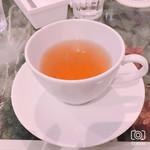 114173174 - 最後に、温かいほうじ茶