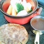 ピエールの麦餅 - ☆豚バラ肉で巻いた牛ハンバーグステーキ☆