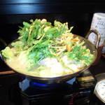 鶏・炭焼料理 やまぢ - 鶏鍋