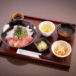 稲月 - 魚で丼ぶり昼ごはん