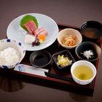 稲月 - 魚でしっかり昼ごはん