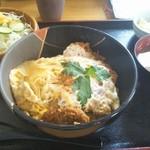 とん勝 みやま - 料理写真:煮込みかつ丼(ロース) 950円