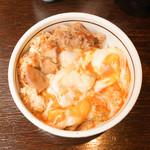 ぎたろう軍鶏 炭火焼鳥 たかはし - 料理写真:親子丼