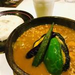 ひげ男爵 - 料理写真:『キーマ納豆』 税込980円 UHB『タカトシランド』にて放送されたことがあり、トシさんがコレを注文していました。