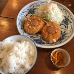 114207152 - ご飯とコロッケと漬物(コロッケセット)
