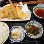 114211523 - 特製天ぷら定食 990円