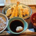 114213598 - 鶏天と夏野菜天ぷら定食