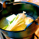 鳴門グランドホテル - 鶏鍋は鶏ガラの白湯で