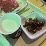 大笹牧場レストハウス ジンギスカンハウス - 牛乳は美味しい。