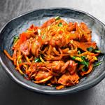 にっこりマッコリ - 炒め肉ちゃんぽん麺