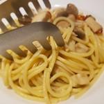 イタリアン&バル料理 全品食べ飲み放題 KUISHINBO - きのこペペロンチーノ