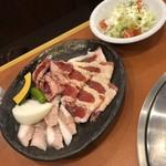 114236295 - 牛玄亭fランチ(1200円)                       ご飯(撮り忘れ)、スープ、サラダ、お肉