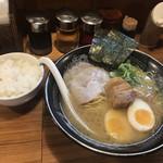 らーめん金伝丸 - 特丸(880円)と無料白飯