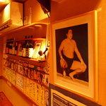 くらち - 店内いたるところに施されたお相撲ゆかりの写真や品々に発揮よいよい!